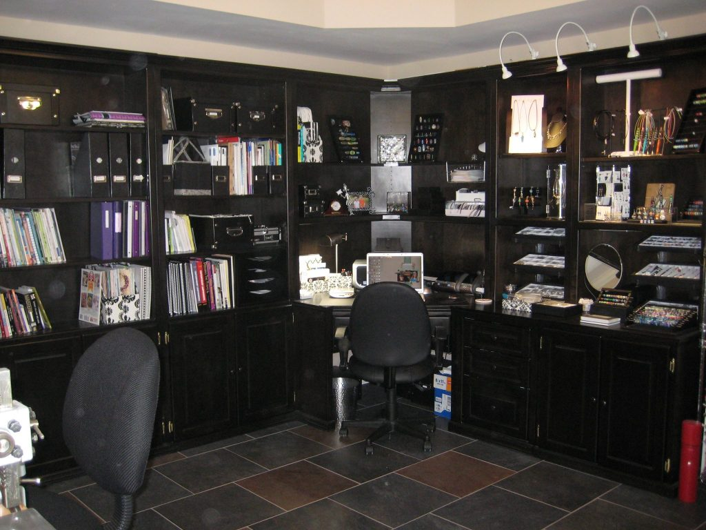 Studio-desk and gallery